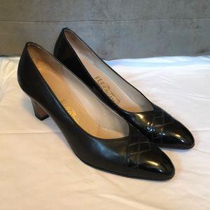 SALVATORE FERRAGAMO - Black Leather Cap Toe Heel
